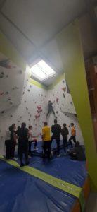 Cours d'escalade à Perpignan. ALSH, CLSH, établissement scolaire, entreprise , CE, association ou public en situation de handicap découvrez les propositions de la salle d'escalade 100% grimpe.