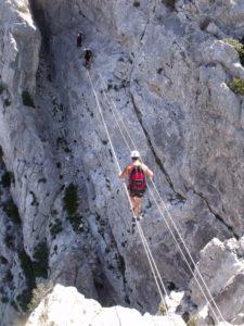 La via-ferrata de Saint-Paul-de-Fenouillet dans les PO - 66. Trouver un moniteur d'escalade pour vos activités de via-ferrata et de canyoning avec https://www.centpourcentgrimpe.fr